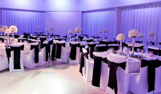 Mariage banquet habillez vos chaises avec des housses - Housse de chaise blanche mariage pas cher ...